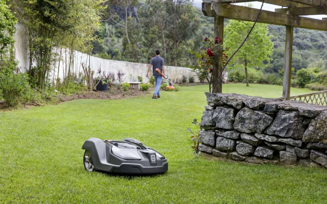 What are the Benefits of a Robotic Lawn Mower?